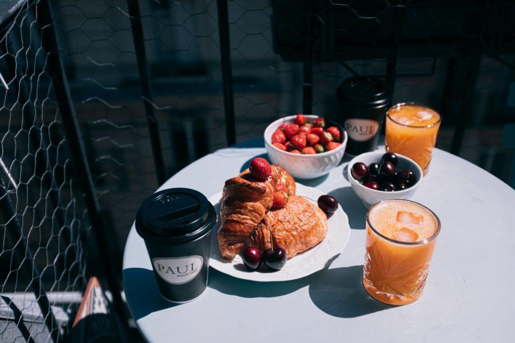 Comer almuerzo desayuno cena en el Viaje Millas 2